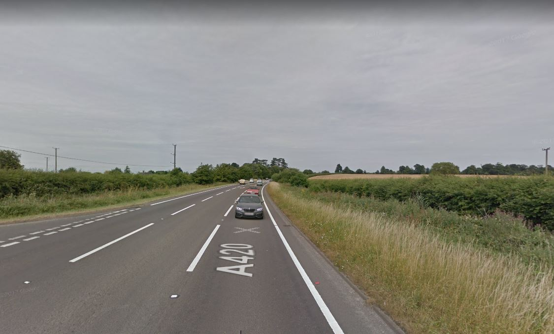 Crash closes section of A420 at Littleworth - police on the scene