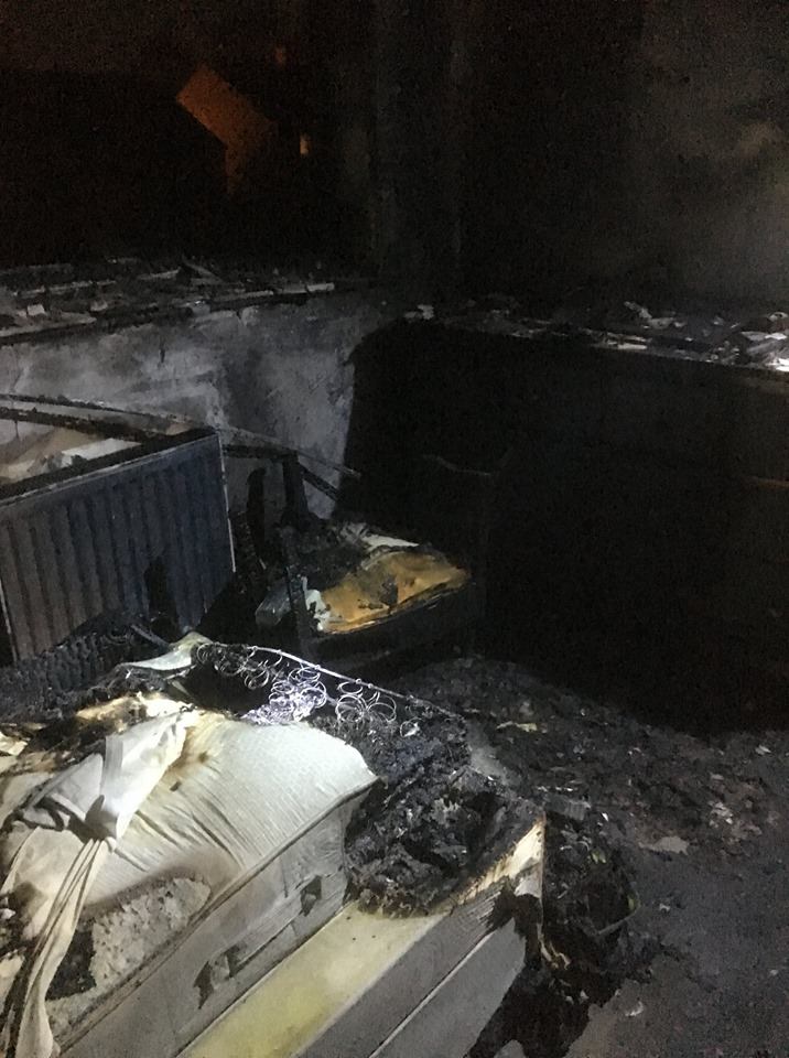 Fire destroys bedroom in Oxford house