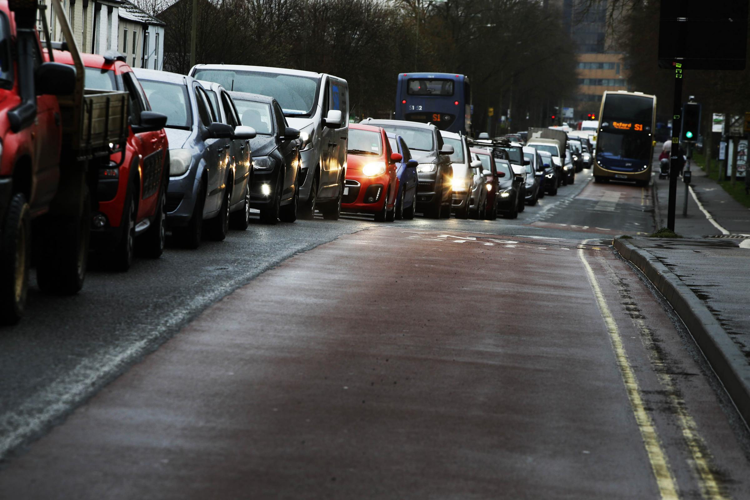 Worcester Street road closure causes traffic in Oxford