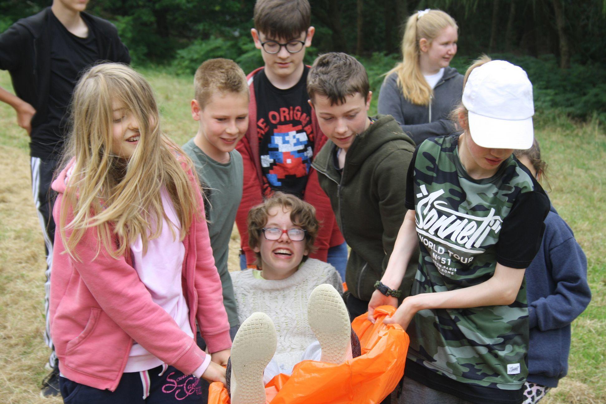 Pupils at LVS Oxford try bushcraft at Blenheim