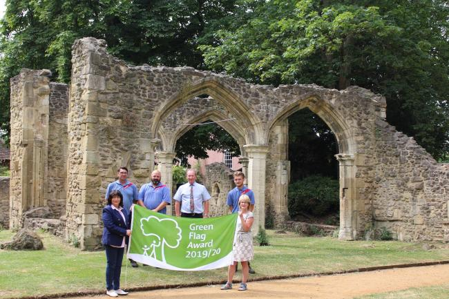 Councillors celebrate Green Flag status for Abbey Gardens in Abingdon.