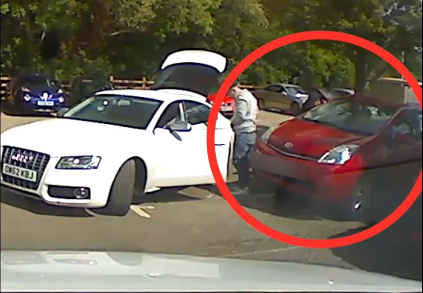 WATCH: Moment catalytic converter is stolen from car