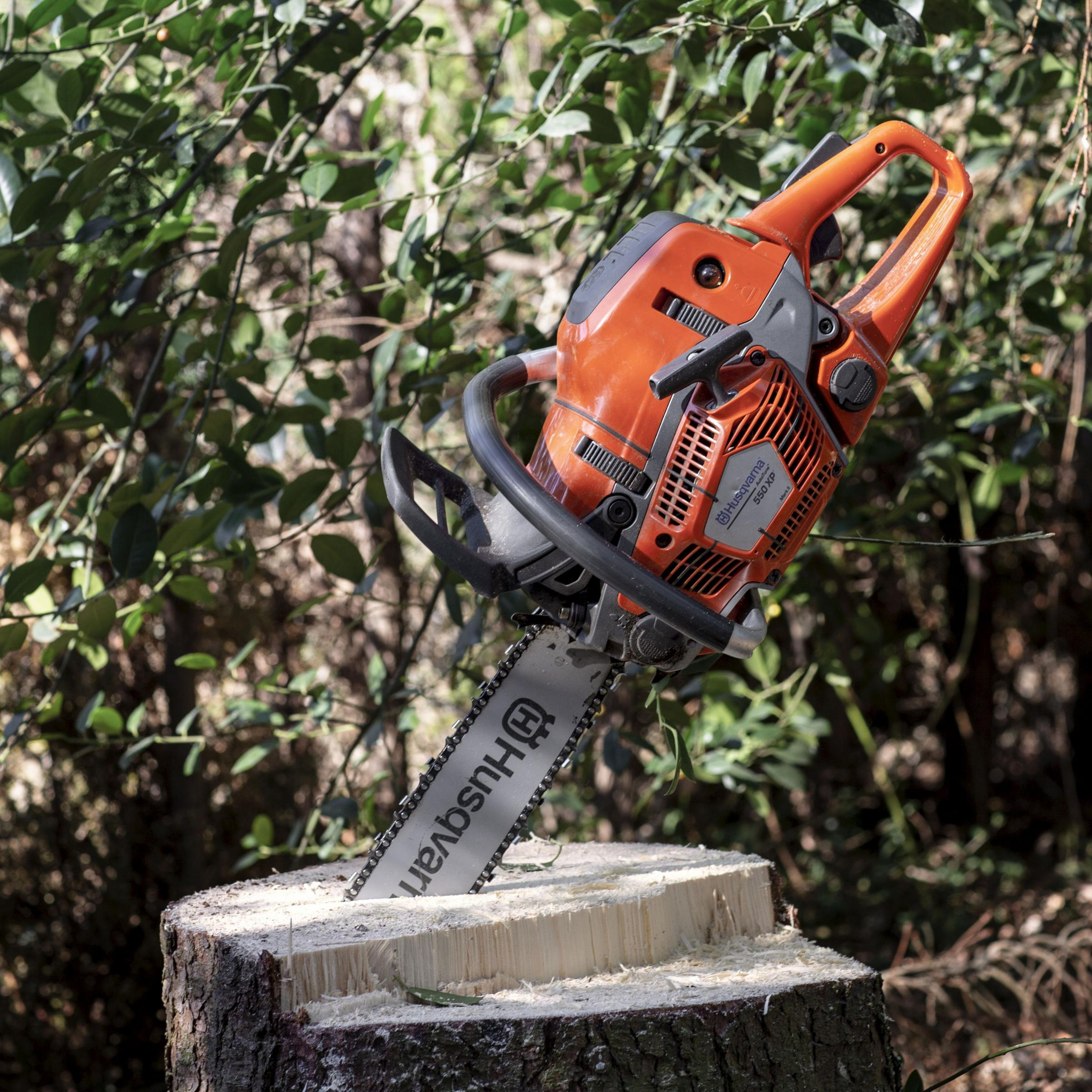 Witney residents raise money to replace chainsaw stolen from carpenter's caravan