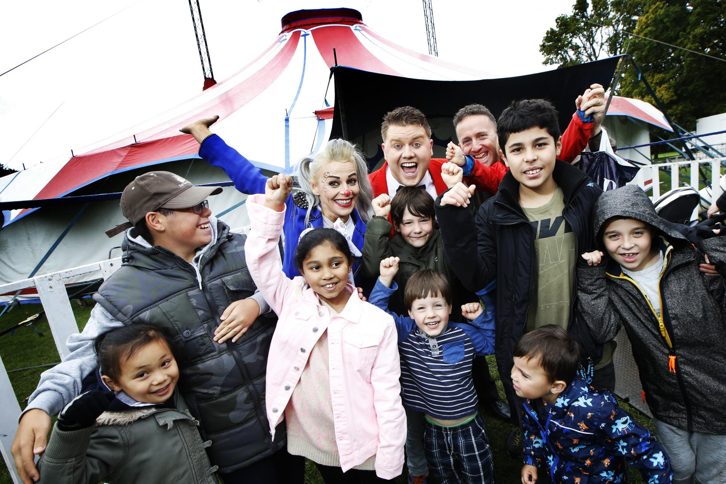 Circus Starr entertains disabled children in South Park, Oxford