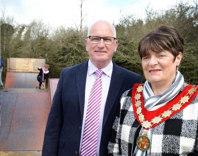 Carterton town clerk Ron Spurs with Lynn Little, when she was mayor of Carterton, pictured in 2016. Picture: Richard Cave