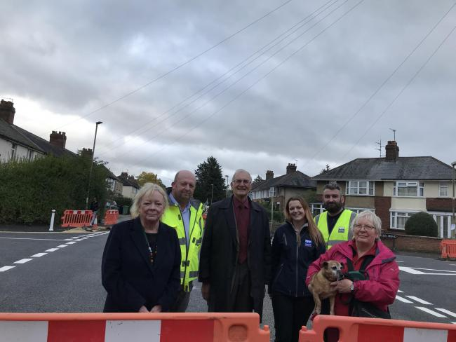 L-R: Cllr Christine Simm, engineer Dave Tidball, Cllr John Sanders, engineer Sophie Hearn, engineer Paul Brasill, resident Viv Peto