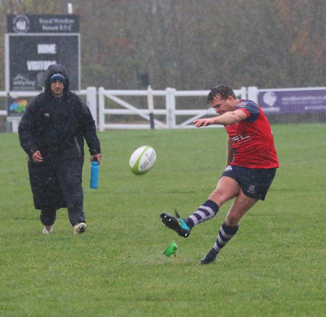 Ed Phillips scores a penalty for Banbury at Wootton Bassett Picture: Simon Grieve