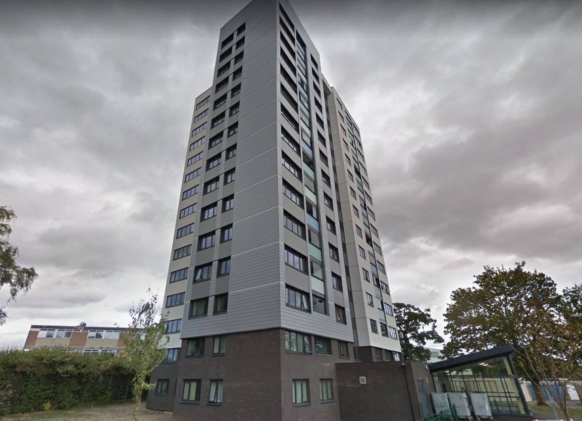 Reports of 'major incident' and roads shut at Oxford tower block