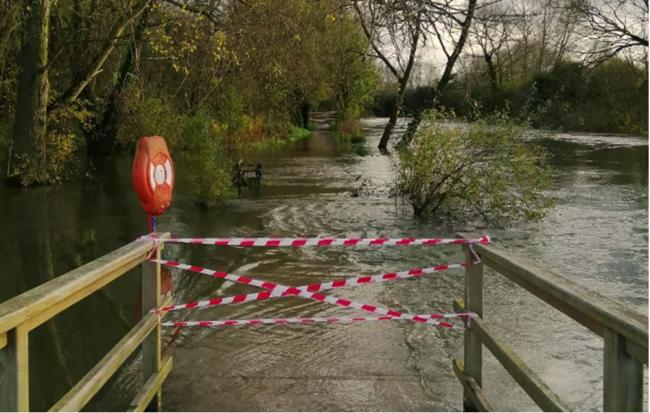 Part of the Thames tow path cut off by flooding. Picture: Oxfordshire County Council.