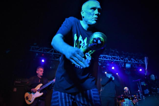 Step On: Bez. Picture by Tim Hughes