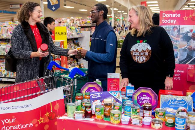 Tesco Customers In Oxfordshire Boost Food Bank Donations