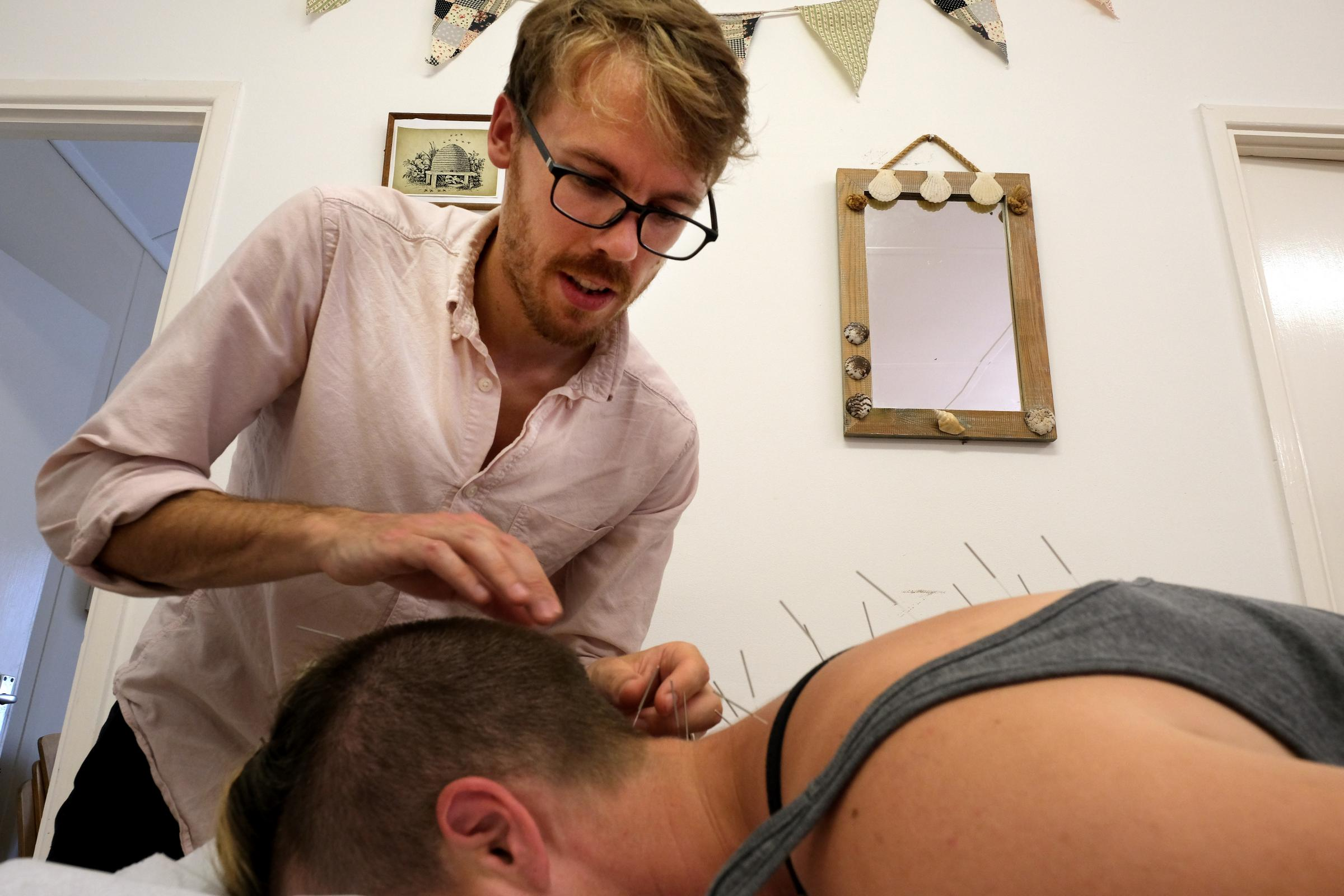 Oxford acupuncture business goes 'carbon positive'
