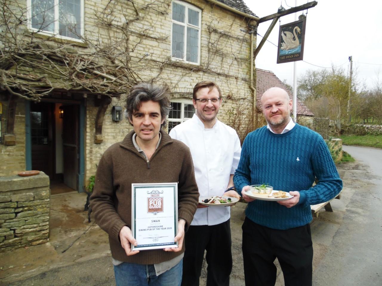 Pub restaurant visited by David Cameron given award