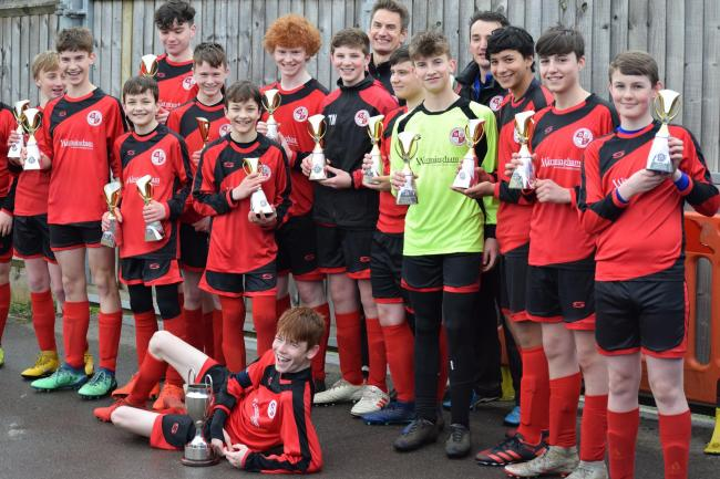 The victorious Goring Robins team after their Oxford Mail Youth League Under 15 Knockout Trophy victory over Stanford-in-the-Vale Picture: Steve Moore