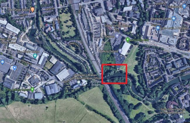 In red: The area where the pedestrian and cycle bridge could be built. Picture: Google Maps.