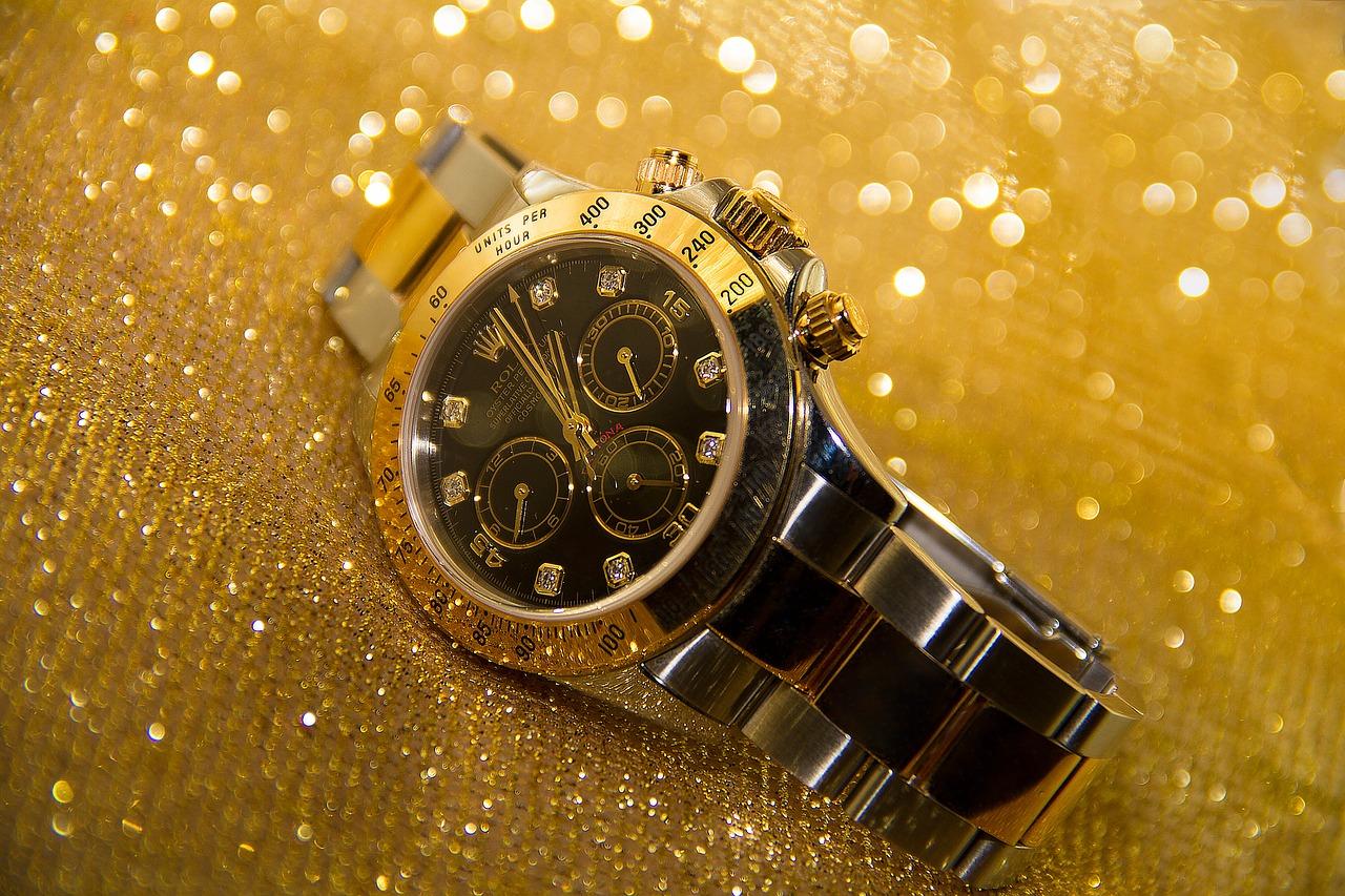 Ten expensive watches stolen in burglary