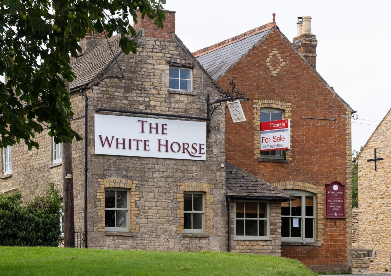 Stonesfield Community Seeks Ownership Of The White Horse Pub Oxford Mail