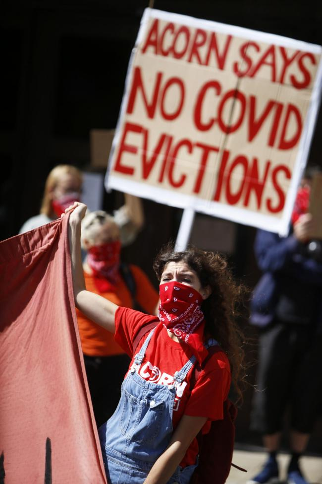 Oxford renters are unhappy that a ban on evictions is being lifted on Monday, August 24. They are protesting outside the crown court, where tenants might find themselves as part of the eviction process..22/08/2020.Picture by Ed Nix..