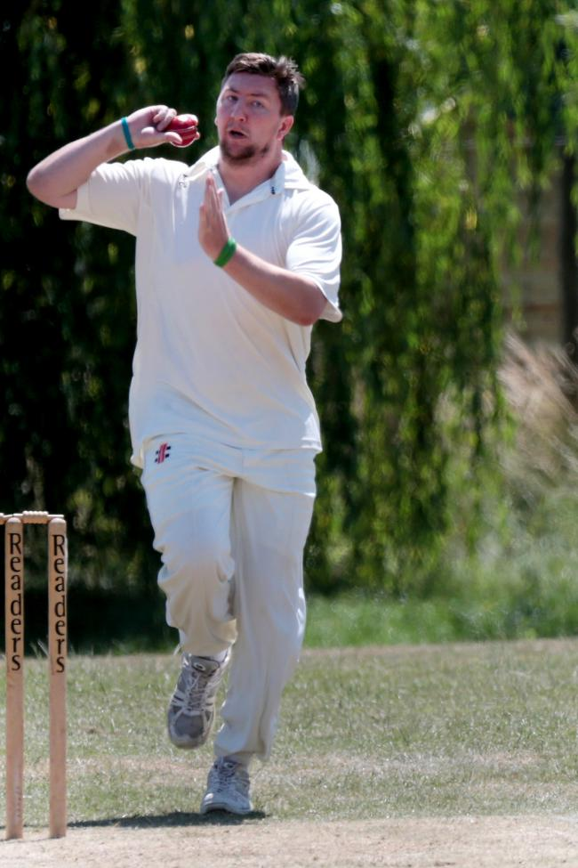 Sam Hibberd took 3-21 as Stonesfield overcame Faringdon by three wickets