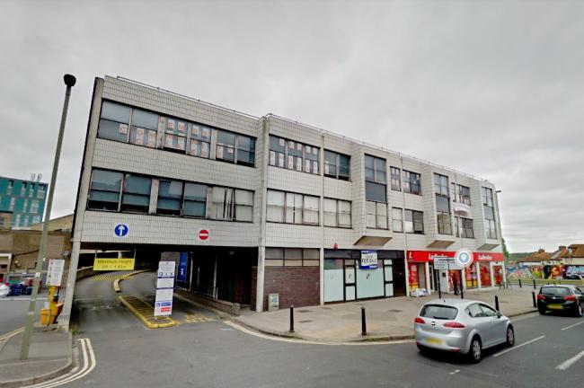 EMBS College is located on the top floor of the Templars Square shopping centre building.