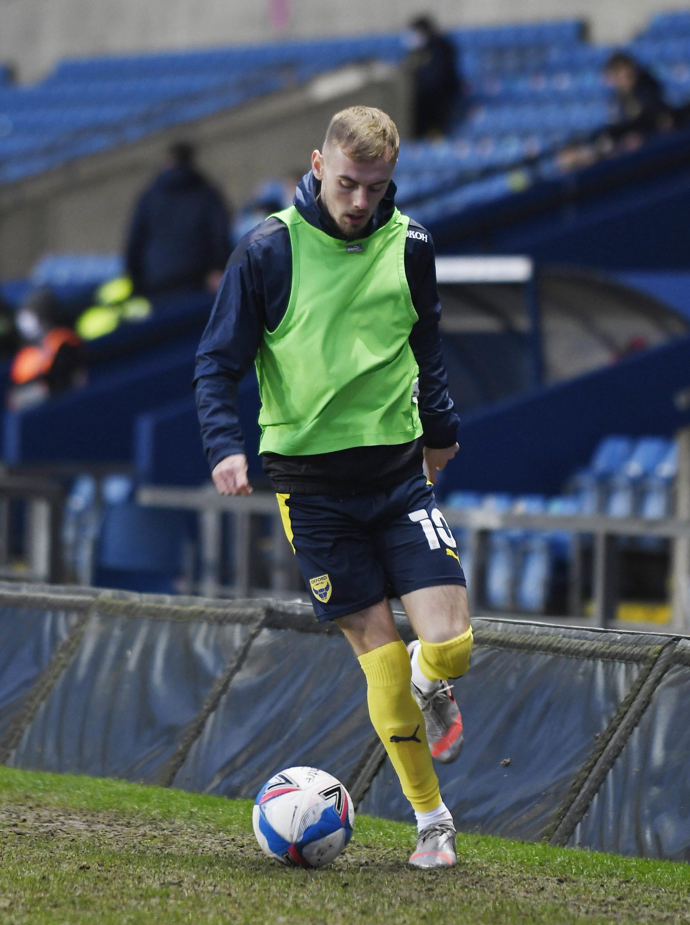 Mark Sykes warming up during Oxford United's home game against Fleetwood Town last month. Picture by: David Fleming