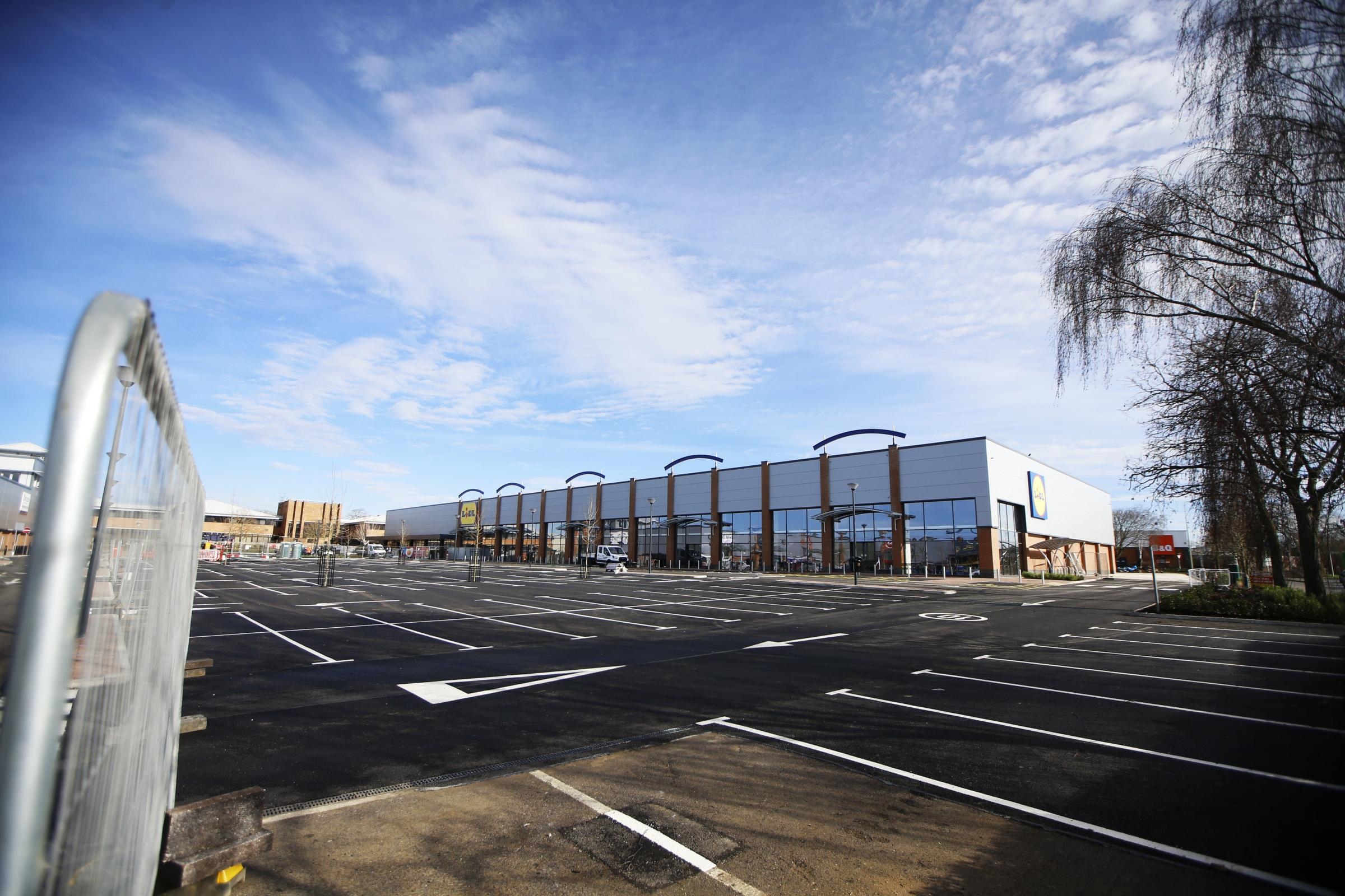 New units at the Fairacres Retail Park in Abingdon are nearing completion. 23/02/2021 Picture by Ed Nix
