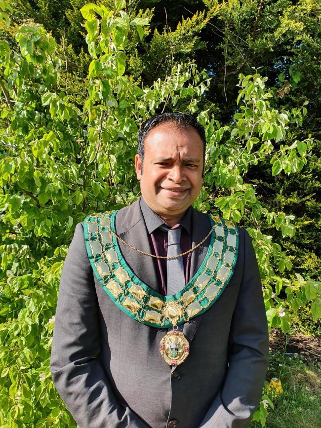 Mocky Khan elected as Didcot Mayor