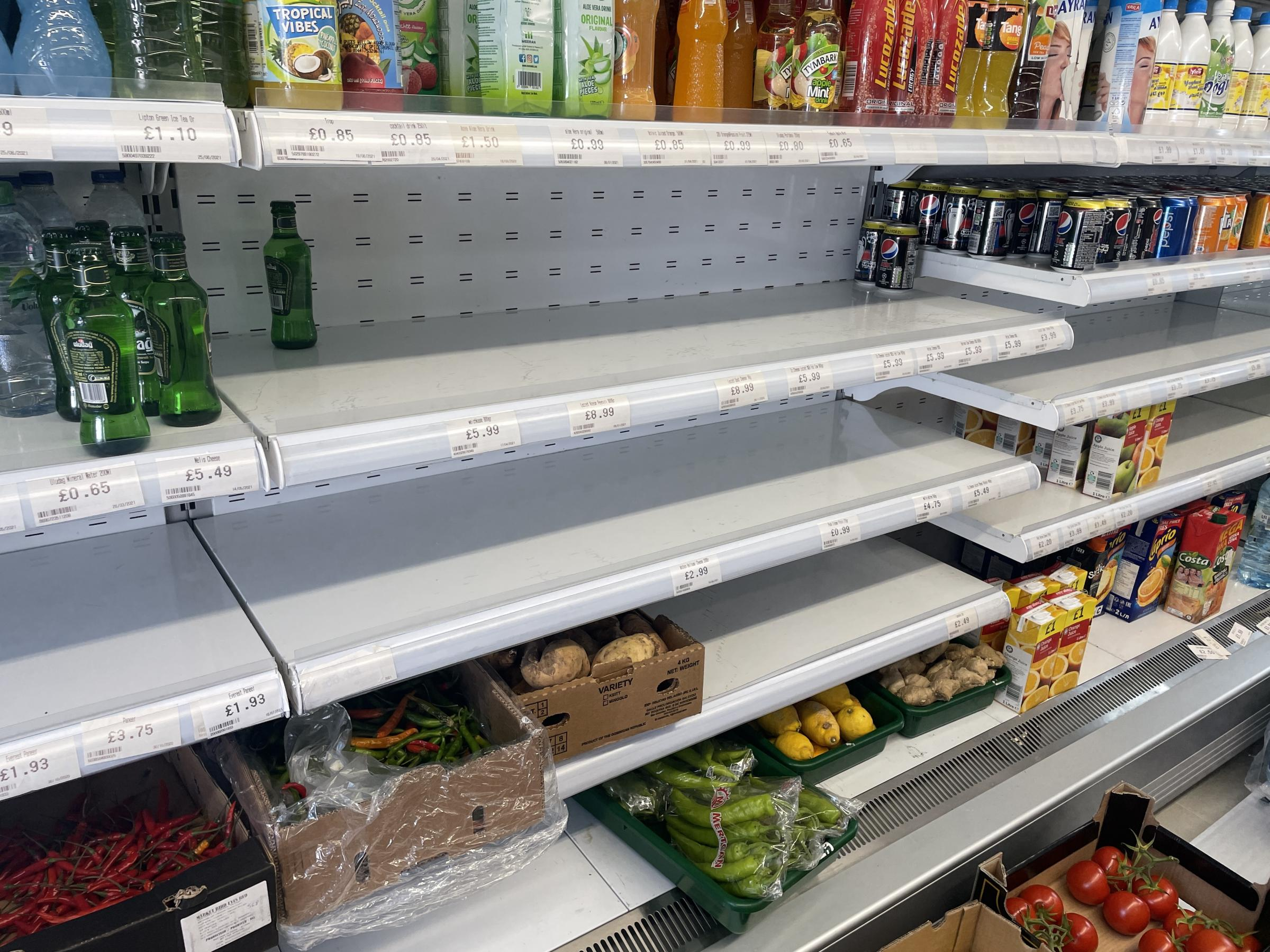 oxfordmail.co.uk - Viraj Bhatia - Empty food shelves in Oxford as 'pingdemic' affects supply chains