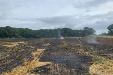 Oxfordshire Firefighters attend farm fire this afternoon in Newbury thumbnail