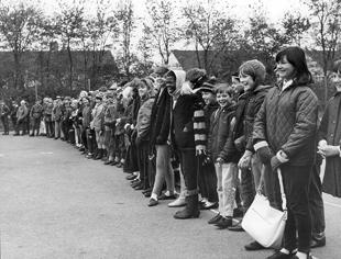 Harlow School pupils set off on a hike in 1968