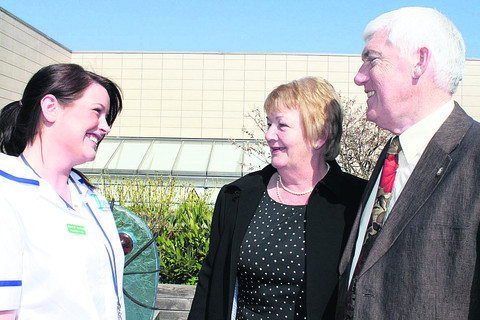 Staff nurse Jennifer Paterson with Jill and Tony Reeves, who had bone cancer