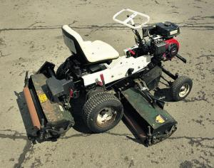 Allen triple mower
