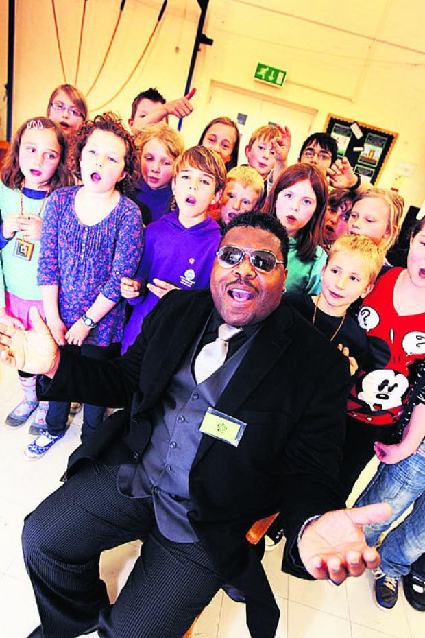 Star helps pupils drift into song