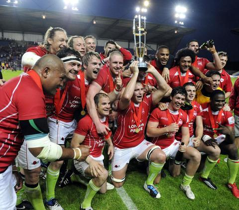London Welsh celebrate with the trophy