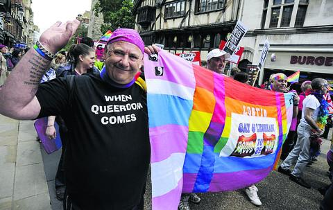 Rainbow banners give Oxford Pride a colourful end