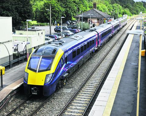 Oxford Mail: A First Great Western Class 180 Adelante train at Charlbury station