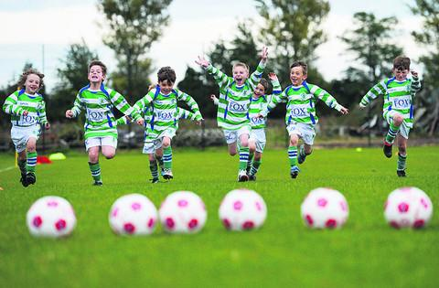 Wantage Town Juniors under 8s celebrate