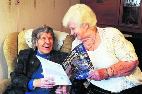 Ruby Medley, left, and Glynis Parsons with a copy of the Tenants in Touch magazine. Picture: OX55152 Jon Lewis