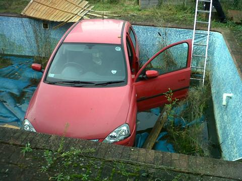 Picture of the car in a swimming pool in Radley.