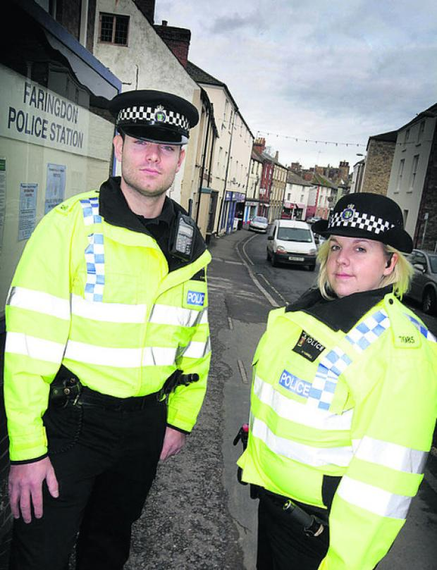 Oxford Mail: PCs Chris Linzey and  Hannah Farrell