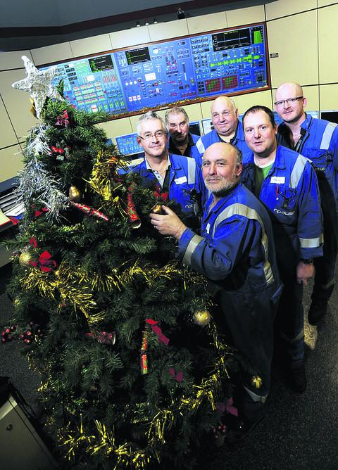 Staff at Didcot A Power Station prepare for Christmas for the last time. Picture: OX56248 David Fleming