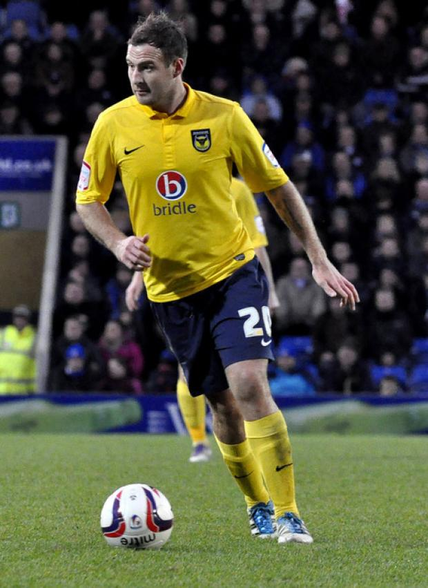 Oxford Mail: Peter Leven on the ball for the U's