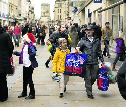 Bargain hunters set off on Boxing Day trek