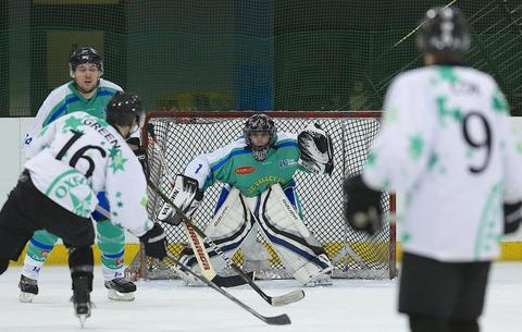 Alan Green lines up a shot in Oxford City Stars' 12-0 win against Lee Valley Lions
