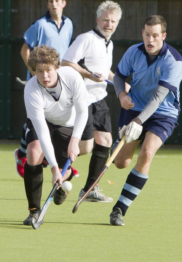 Oxford Mail: Liam Frost snatched Witney's winner against Bracknell