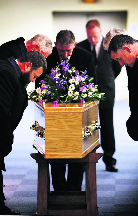 Tributes at funeral of ex-Lord Mayor Fred