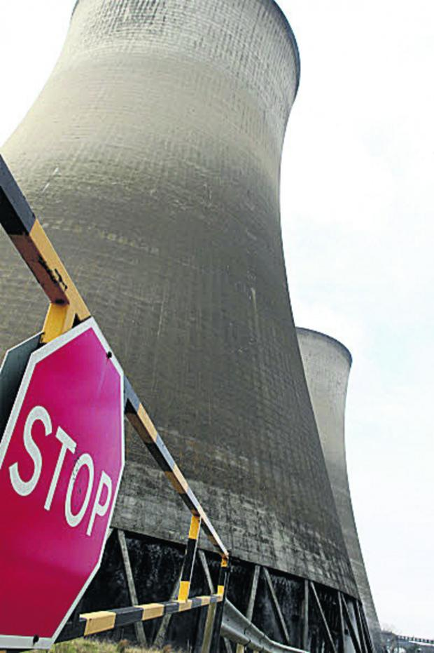 Oxford Mail: Time window announced for Didcot A Power station towers demolition