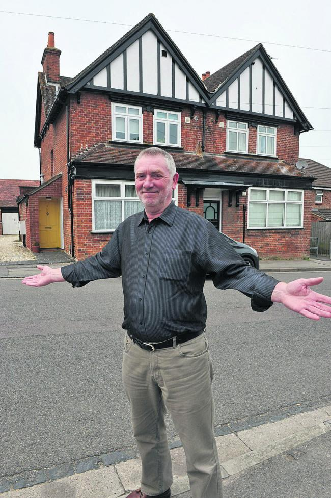 Tony Goulding, of Oxford Camra branch, outside the former Prince's Castle pub in Barton. Picture: OX60087 Denis Kennedy