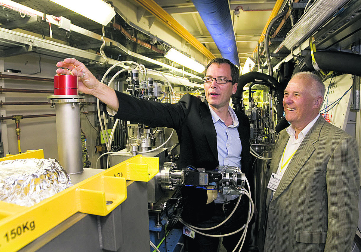 Prof Thomas Sorensen, left, and Dr John Jenkin at one of the beamlines at the Diamond Light Source
