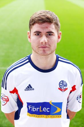 Oxford United sign Bolton full back Joe Riley on loan